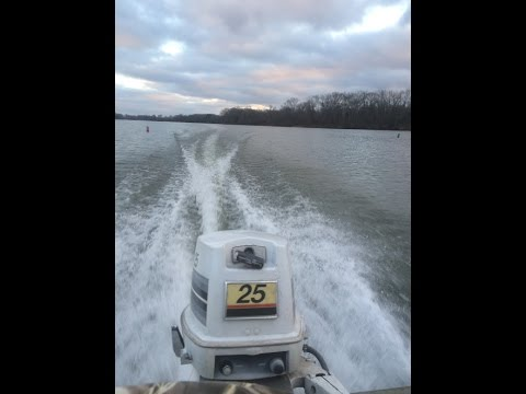 Best BUDGET and MAINTAINABLE Duck Hunting Boat Motors