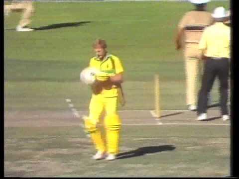 Peter Taylor Gets A Tough Call Australia Vs New Zealand 1988