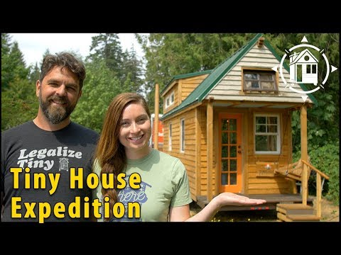 Nomadic Couple Build a Tiny House on a Budget