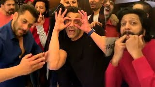 Salman Khan BADSHAH Bobby Deol, Suniel Shetty DRUNK Singing Dancing Late Night Party