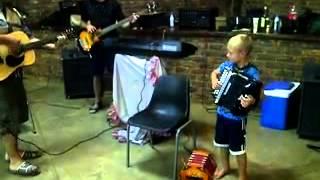 Kosie Beukes speel die Blou Bul liedjie