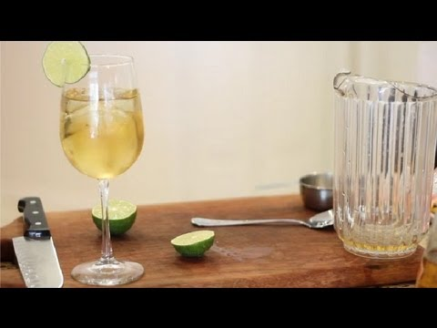 How to Make a Spritzer Without Alcohol : Virgin & Non-Alcoholic Drink Recipes