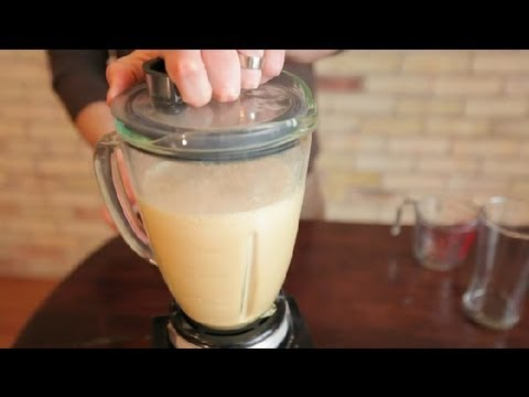 How to Make Frappuccinos in a Regular Blender : Frappuccinos