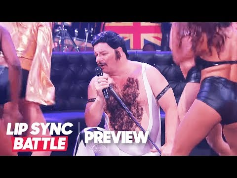 """Comedian Turned Rockstar Jeff Ross Performs Queen's """"Fat Bottomed Girls""""  
