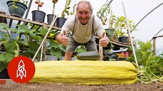 This Gardener Regularly Grows 100-Pound Vegetables