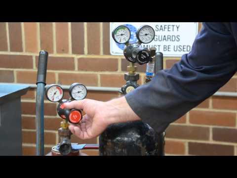 Oxy torch 1 of 2 - adjusting gas on regulators