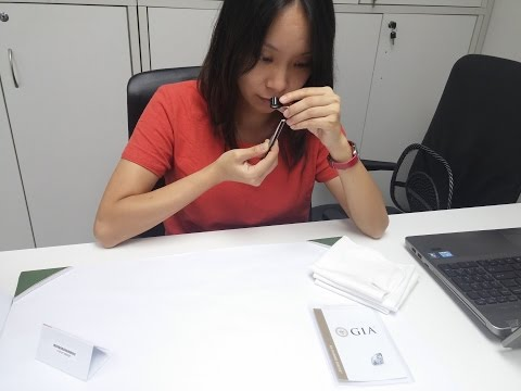 how to buy GIA IGI HRD certified solitaire diamond in Hong Kong
