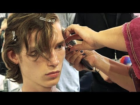 Hair trends for men: how to achieve that surfer hair look with magic dust
