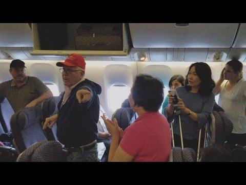 Man In Trump Hat Gets Escorted Off United Flight