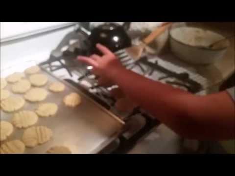 Gorgeous Baking: Baking Peanut butter Cookies