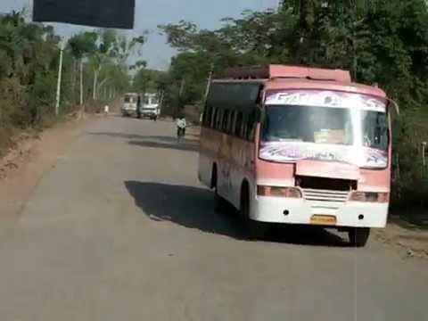 Madhya Pradesh - bad road conditions (India)