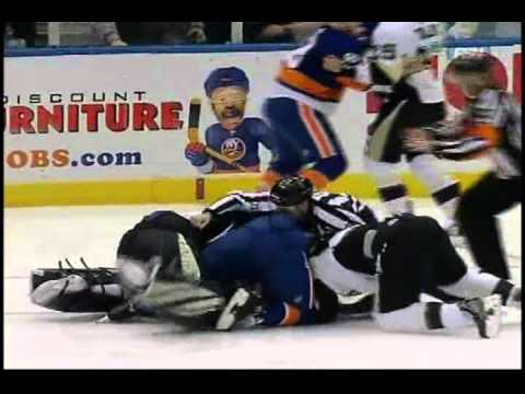 New York Islanders vs. Pittsburgh Penguins: All out Brawl [2-11-11]
