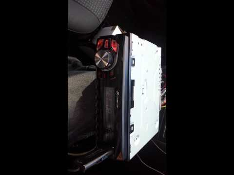 How keep memory in car radio ( fitting pioneer in corsa c)