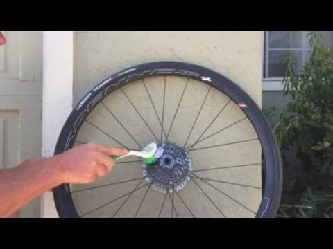 How to clean a dirty bike cassette   www.getzitcleaner.com