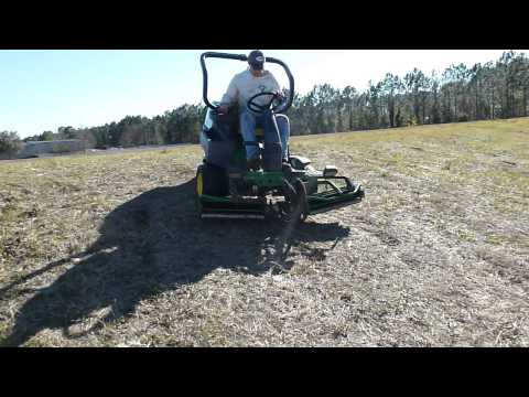 John Deere 2500 Greens Mower w/ Kawasaki FD620D Parts for sale