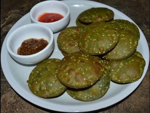 Palak Poori Recipe ( पालक पूरी ) / Palak Puri / Spinach Poori Recipe