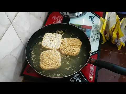 មីឆារ/Cambodian Food, Noodle fried with tomato ,Asian food