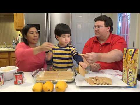 Eating Filipino Food | Giant Mango Float | John's family enjoys mango float