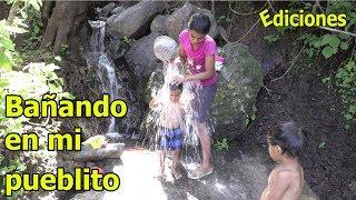 Sandra #7 bañando aya en los pueblitos lejanos de mi país - Ediciones Mendoza