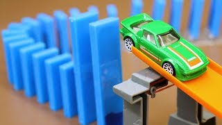 Dominoes vs. Hot Wheels! (w/ RaceGrooves)