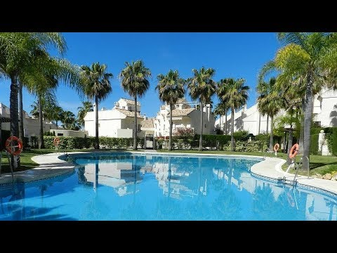 Buy A Stylish Townhouse In Bono Beach Marbella