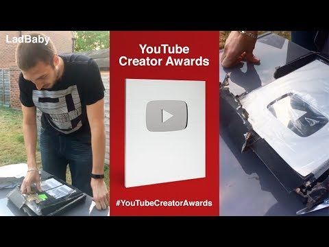 Unboxing the worst YouTube Creator Award EVER 📦💩