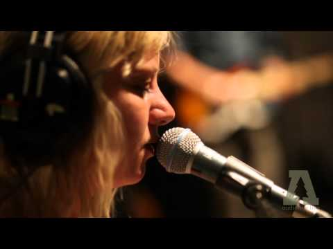 Paper Thick Walls - Liar's Lawyer - Audiotree Live