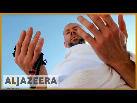 Jewish convert to Islam does pilgrimage to plain of Arafat