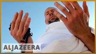 Jewish convert to Islam does pilgrimage to plain of Arafat
