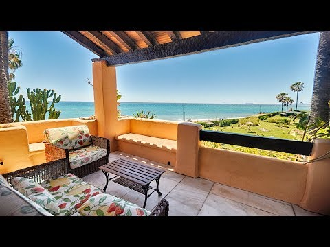 Buy a townhouse in Alcazaba Beach Houses, Estepona