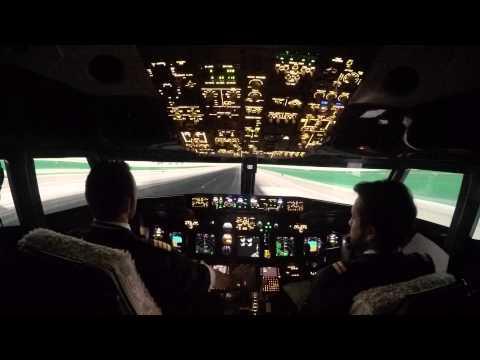 Flight to Santorini B737/8