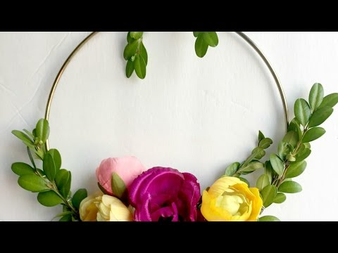 Make a Wreath with Simple Supplies - DIY  - Guidecentral