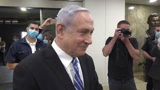 המפגש המרגש עד דמעות של נתניהו עם ניצולי השואה, דקות לפני פתיחת משפטו