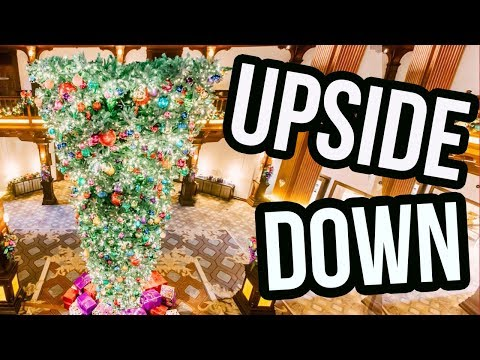 Upside-Down Christmas Trees Are The New Holiday Trend?!