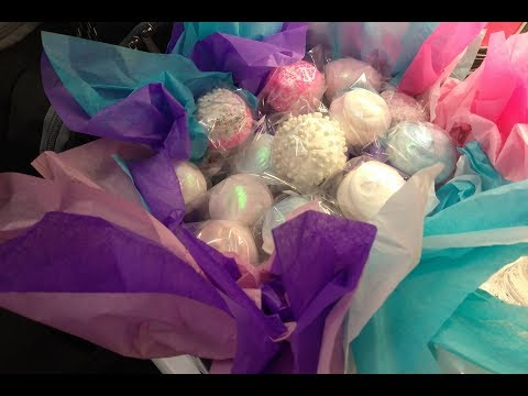 Twirl, Swirl & Glitter Strawberry Bouquet Cake Pops