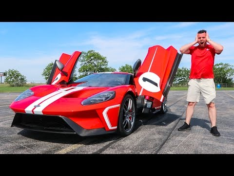 5 CRAZY Features Of The $450,000 2018 Ford GT