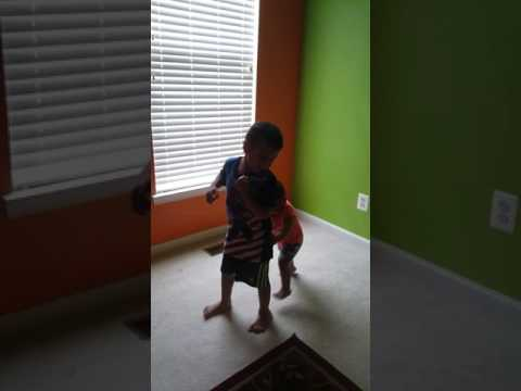 The easiest way to teach your baby/ toddler to walk