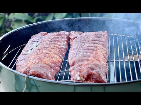 How to smoke BBQ ribs with the Slow 'N Sear and kettle | baby back or spareribs