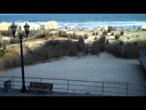 Days Inn Atlantic City Boardwalk room.mp4