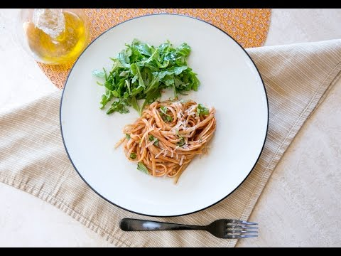Cooking Guru - S1E7 - Hearty Spaghetti with Ground Sausage and Arugula Salad