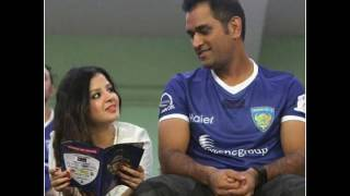 Lovely dhoni with cute sakshi