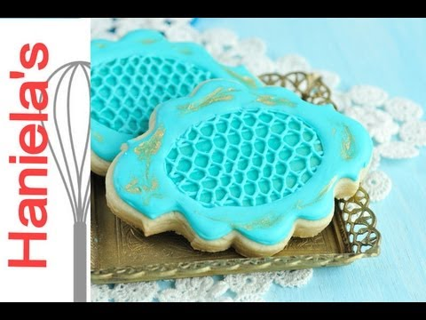 How To Decorate Cookies With Simple Royal Icing Lace