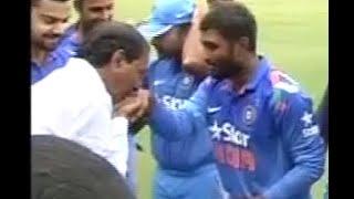 Telanagana CM KCR Meets & Greets India, Srilanka Cricketers