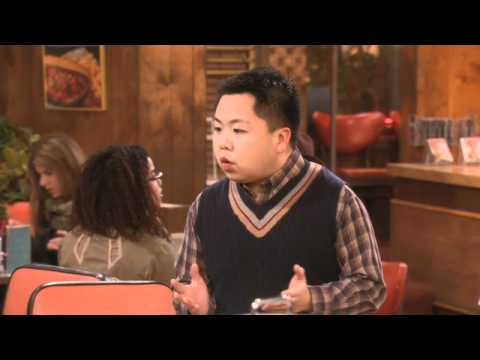 2 Broke Girls - And The One-Night Stands Extended Preview