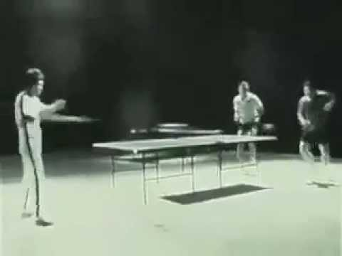 Bruce Lee : Ping pong with Nunchucks