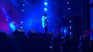 Jay-z Surprises Fans With A Special Guest Performance At Made In America 2017