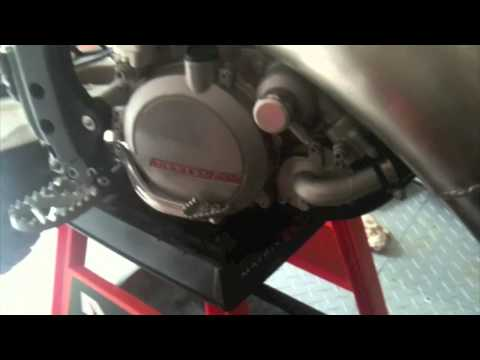 How to Maintain a Motocross Bike