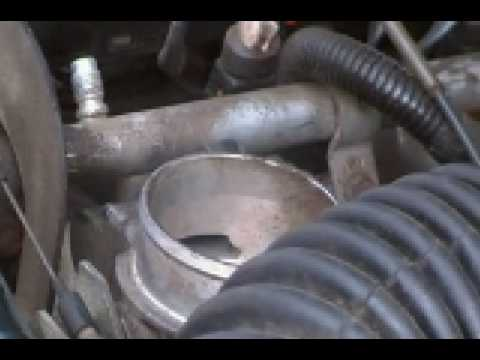 Cleaning the throttle body in Jeep Cherokee