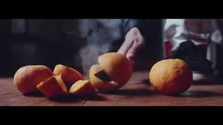 EXPERIMENT Glowing 1000 degree KNIFE VS ORANGES