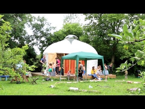 THIS YURT IS THE FUTURE | OFF GRID LIVING